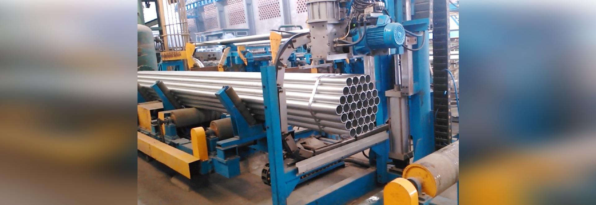 Machine automatique d'empaquetement et de strapper pour le tuyau et les tubes