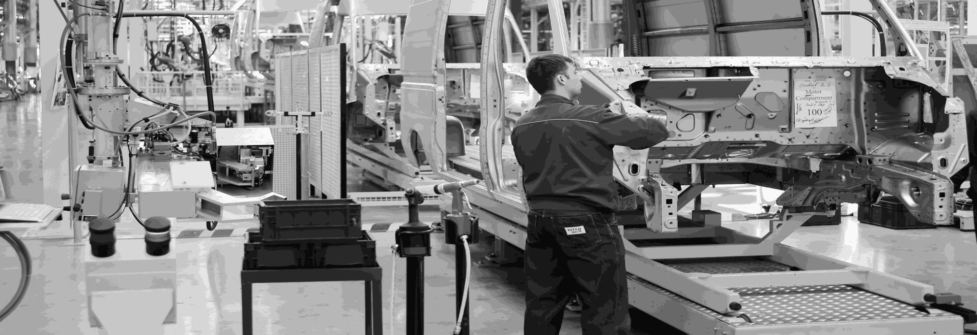 Le mOOnTAG d'EDITAG permet de surveiller et d'optimiser les processus de préparation des commandes et les flux logistiques à l'aide de capteurs RFID et de capteurs IoT