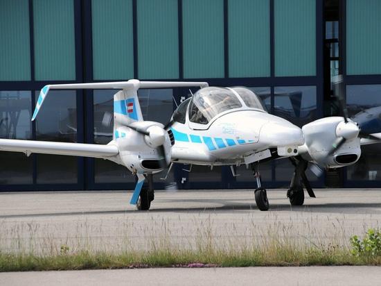 Système de vision à double caméra conçu pour permettre des atterrissages automatiques sur de petits aérodromes