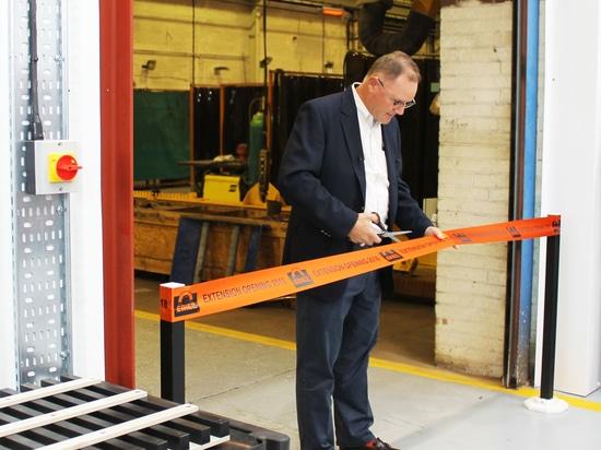 PDG d'Eriez Global Manufacturing Co. Tim Shuttleworth ouvre l'extension