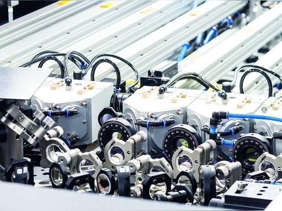 Les installations CAPS des instituts Fraunhofer de Iéna et d'Aix-la-Chapelle mettent à la disposition des utilisateurs diverses sources de photons de l'ordre du kilowatt à des fins de recherche app...