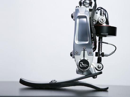 Les cellules de charge ultra-précises de FUTEK contribuent à donner vie à la cheville prothétique du MIT Media Lab, en reproduisant les mouvements naturels de l'homme pour créer un remplacement pre...