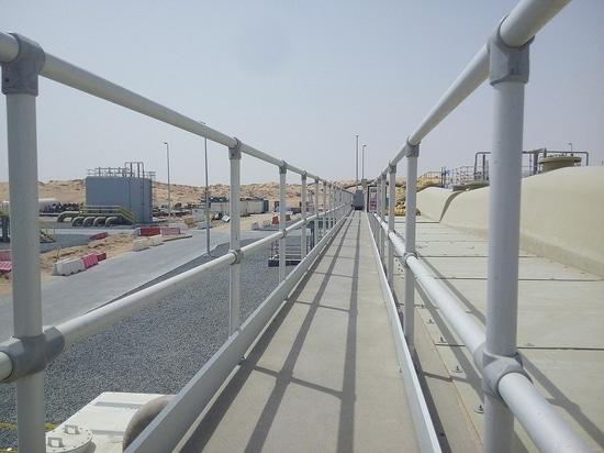 Solutions de glissière de sécurité pour l'industrie de l'eau globale