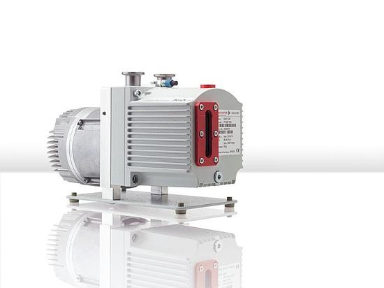 Le vide de Pfeiffer présente à son nouveau C.C-type du duo 3 la pompe de palette rotatoire avec 24 C.C de volt
