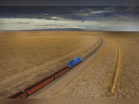 GE EXAMINANT LES MOTEURS DE TRAIN QUI POLLUENT MOINS