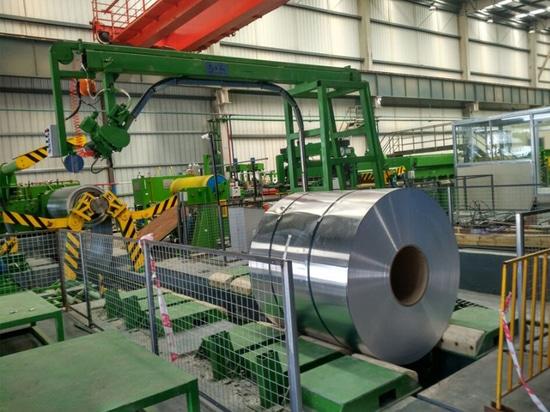 Machine de cerclage en acier semi-automatique pour le cerclage en aluminium de la bobine OD