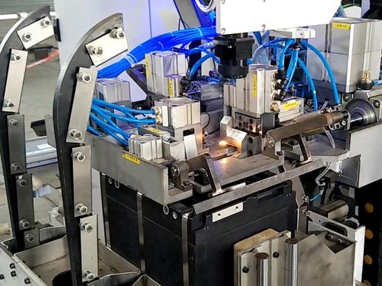machine de cerclage en acier automatique de batterie de voiture