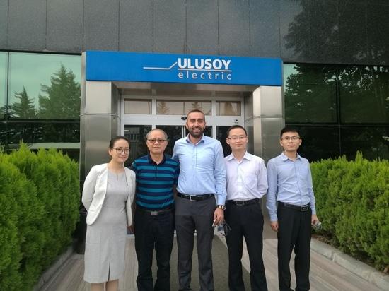 photo de groupe avec Ulusoy Electric