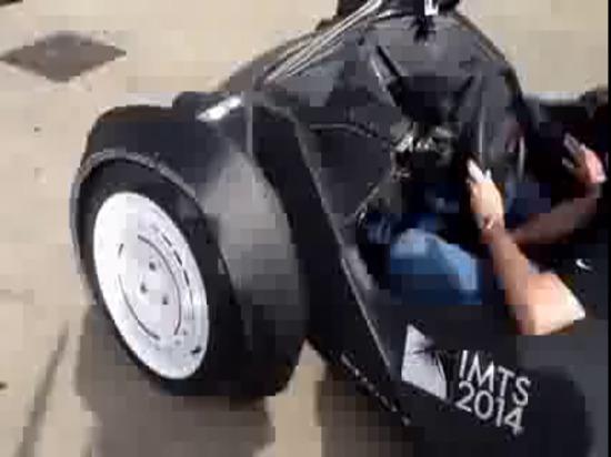 Chicago IMTS 2014, les stratus 3D a imprimé la commande d'essai de voiture, conçue par Michele Anoe'pour les moteurs locaux